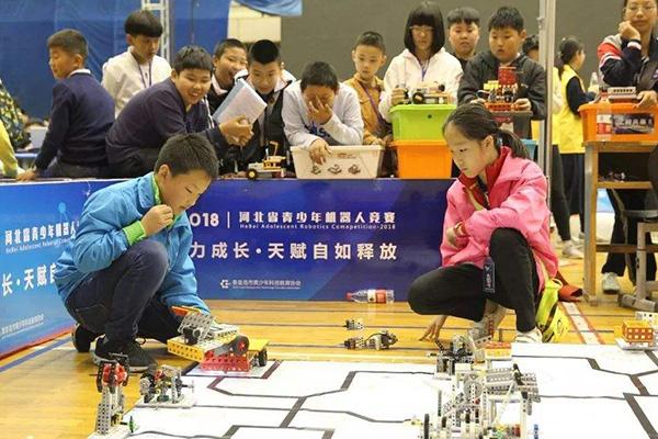 机器人教育加盟店铺为儿童们提供优质课程