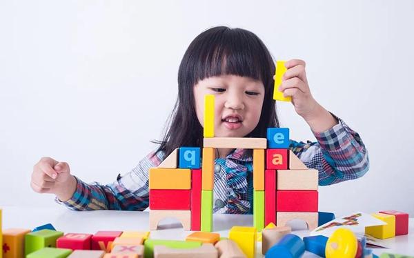 """孩子学习""""大语文"""",除了成绩,还能提升什么"""