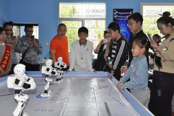 奇咔咔机器人教育加盟品牌市场口碑好吗